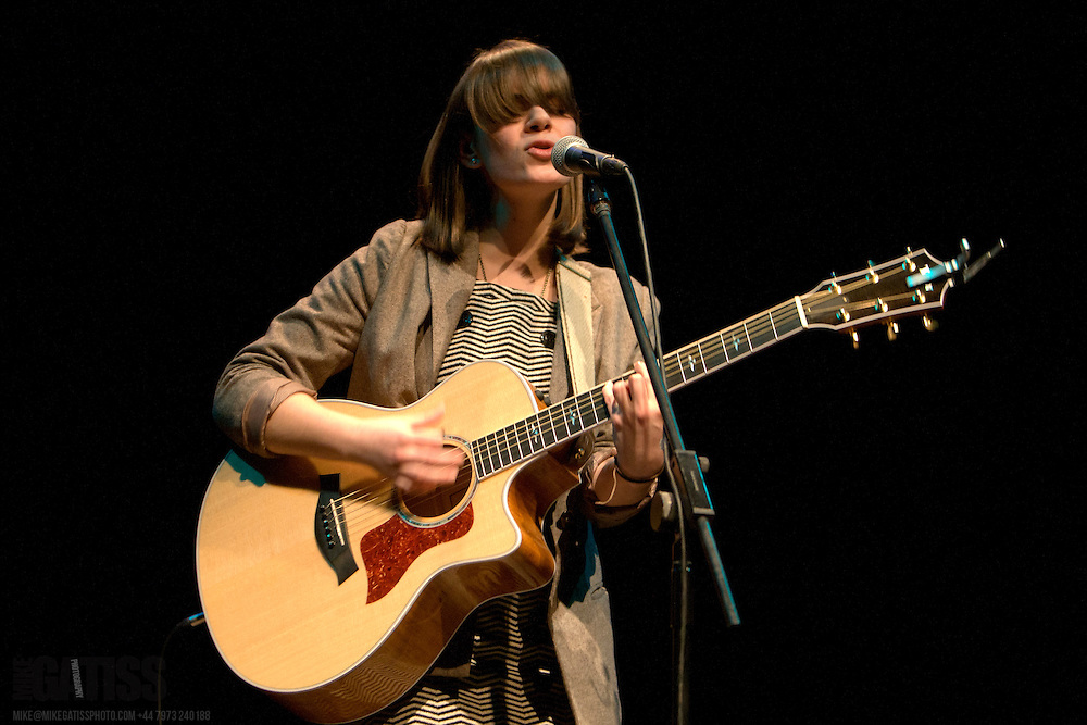 liz lawrence performing live at the Lowry Theatre, Manchester, 2011-01-25