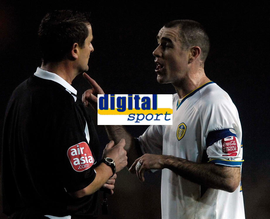 Photo: Jed Wee/Sportsbeat Images.<br /> Leeds United v Hereford United. Coca Cola League 1. 20/11/2007.<br /> <br /> Leeds captain Andrew Hughes (R) makes a point to referee G Laws.