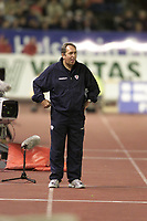 Fotball, Liverpool's manager Gerard Houllier at the Olympic Stadium in Helsinki.  (Foto: Digitalsport).