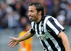 17.10.2010, Stadio Olimpico, Turin, ITA, Serie A, Juventus Turin vs US Lecce, im Bild L'esultanza di Alessandro Del Piero (Juventus) per il gol del 4-0.Juventus player Alessandro Del Piero celebrates his 4-0 leading goal.EXPA Pictures © 2010, PhotoCredit: EXPA/ InsideFoto/ Giorgio Perottino +++++ ATTENTION - FOR AUSTRIA AND SLOVENIA CLIENT ONLY +++++..