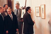 """15 JUN 2000, BERLIN/GERMANY:<br /> Wladimir Putin, Präsident Russische Förderation (3.v.L.) und  Gerhard Schröder (R), Bundeskanzler, besichtigen die sog. """"Bremer Blätter"""" (während dem 2 WK durch die Rote Armee geraubte und jetzt zurückgegebene Kunst) im Rahmen der 3. Deutsch - Russischen Regierungskonsultationen, Bundeskanzleramt<br /> Vladimir Putin (3rd L), President Russia, and Gerhard Schroeder(R), Fed. Chancellor Germany, are watching the """"Bremer Blätter"""" (returned art treasures seized by sovjet troops during the 2nd World War), Departnment of the German Chancellor <br /> IMAGE: 20000616-01/01-10<br /> KEYWORDS: Russland, Beutekunst"""