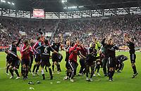 Fotball<br /> Tyskland<br /> 16.05.2010<br /> Foto: Witters/Digitalsport<br /> NORWAY ONLY<br /> <br /> Schlussjubel Nuernberg ueber den Klassenerhalt<br /> <br /> Bundesliga Relegation Rueckspiel FC Augsburg - 1. FC Nürnberg 0:2