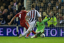 29.10.2011, The Hawthorns, West Bromwich, ENG, PL, West Bromwich Albion vs FC Liverpool, im Bild Liverpool's Andy Carroll scores the second goal against West Bromwich Albion during the Premiership match at The Hawthorns // during the Premier League match between West Bromwich Albion vs FC Liverpool, at the Hawthorns, West Bromwich, United Kingdom on 29.10.2011. EXPA Pictures © 2011, PhotoCredit: EXPA/ Propaganda Photo/ David Rawcliff +++++ ATTENTION - OUT OF ENGLAND/GBR+++++