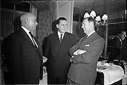 11/01/1963<br /> 01/11/1963<br /> 11 January 1963<br /> Leipzig Fair reception and film show at the Gresham Hotel, Dublin. At the reception were (l-r): Denis Hayes, Leipzig Fair Agency in Great Britain; W. King, Dublin and W.J.C. Milne, Gouldings Fertilizers, Dublin.