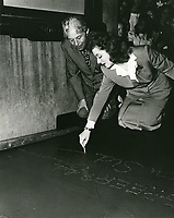 1942 Greer Garson's hand/footprint ceremony at the Chinese Theater