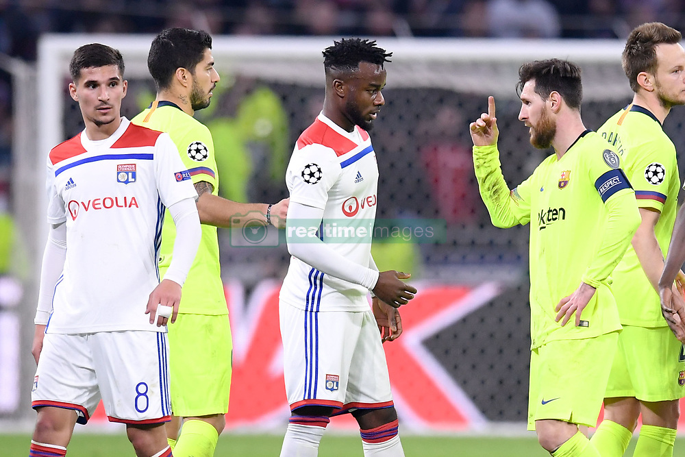 February 19, 2019 - Lyon, France - 08 HOUSSEM AOUAR (OL) - 09 LUIS SUAREZ (BAR) - 27 MAXWEL CORNET (OL) - 10 LIONEL MESSI (BAR) - FAIR PLAY - DECEPTION (Credit Image: © Panoramic via ZUMA Press)