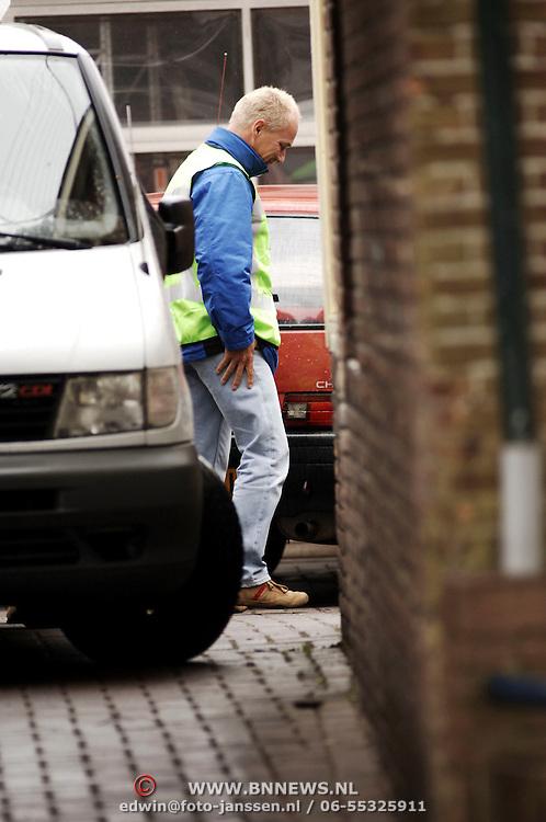 Schietpartij Hilvertsweg 17 Hilversum, KLPD politieagent Frans Nijhoff pleegt zelfmoord na doodschieten vrouw en kinderen.technische recherche, rechercheur, drama, overleg