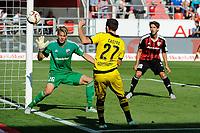 BILDET INNGÅR IKKE I FASTAVTALER OG ALL NEDLATSING BLIR FAKTURERT<br /> <br /> Fotball<br /> Tyskland<br /> 23.08.2015<br /> Foto: imago/Digitalsport<br /> NORWAY ONLY<br /> <br /> GER, Bundesliga. 2 Spieltag, FC Ingolstadt 04 vs Borussia Dortmund 23.08.2015, Audi-Sportpark, Ingolstadt, GER, Bundesliga. 2 Spieltag, FC Ingolstadt 04 vs Borussia Dortmund, im Bild Chance fuer Gonzalo Castro (Borussia Dortmund) 27 gegen Torwart Orjan Nyland (FC Ingolstadt 04)