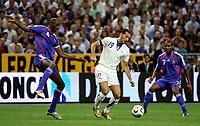 Paris/Parigi 6/9/2006 Stade de France Eliminatorie Euro 2008. France Italy 3-1 Francia Italia 3-1. Photo Andrea Staccioli INSIDE/Digitalsport<br /> Gianluca ZAMBROTTA Italy between Patrick VIEIRA and Florent MALOUDA France<br /> Norway only