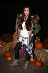 Katie Price is seen arriving at the Tulley's Farm Shocktober Fest event in Sussex.<br /><br />6 October 2017.<br /><br />Please byline: Vantagenews.com