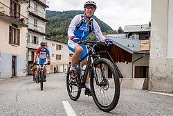 10-09-2017 FRA: BvdGF Tour du Mont Blanc day 1, Beaufort <br /> Vandaag vertrekken we vanuit Papendal in Arnhem naar naar het plaatsje Beaufort (nabij Chamonix) in Frankrijk / Eelco