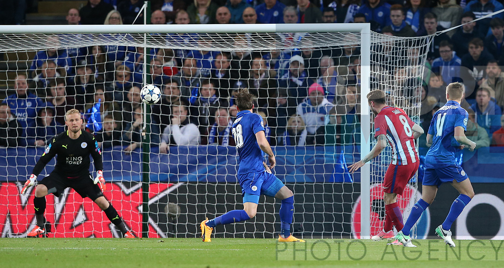 Atletico's Saul Niguez scoring his sides opening goal during the Champions League Quarter-Final 2nd leg match at the King Power Stadium, Leicester. Picture date: April 18th, 2017. Pic credit should read: David Klein/Sportimage