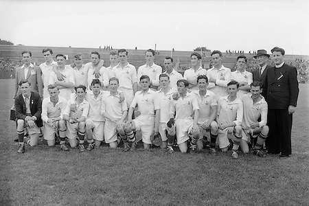 Cork Senior Football Team. All Ireland Football Semi Final Cavan v Cork..Winners - Cavan.S. Morris, J. McCabe, P. Brady, D. Maguire, P. Carolan, L. Maguire, B. O'Reilly, V. Sherlock, T. Hardy, S. Hetherton, M. Higgins (Captain), E. Carolan, J. J. Cassidy, A. Tighe, J. Cusack. Note: P. Fitzsimons played in drawn game. J. Cusack came on for replay. P. Fitzsimmons was introduced as Sub for J. J. Cassidy in replay...17.08.1952. 08.17.1952, 17th August 1952