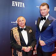NLD/Amsterdam/20181022 - Inloop premiere Evita, Ronald Kolk en Mike