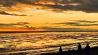 SCHIERMONNIKOOG -  Waddenzee bij zonsondergang . ANP COPYRIGHT KOEN SUYK