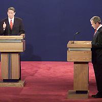Bush and Gore debate 10/3/2000 Photo by Mark Garfinkel