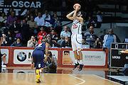 DESCRIZIONE : Caserta Lega serie A 2013/14  Pasta Reggia Caserta Acea Virtus Roma<br /> GIOCATORE : michele vitali<br /> CATEGORIA : controcampo tre punti<br /> SQUADRA : Pasta Reggia Caserta<br /> EVENTO : Campionato Lega Serie A 2013-2014<br /> GARA : Pasta Reggia Caserta Acea Virtus Roma<br /> DATA : 10/11/2013<br /> SPORT : Pallacanestro<br /> AUTORE : Agenzia Ciamillo-Castoria/GiulioCiamillo<br /> Galleria : Lega Seria A 2013-2014<br /> Fotonotizia : Caserta  Lega serie A 2013/14 Pasta Reggia Caserta Acea Virtus Roma<br /> Predefinita :