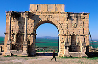 Maroc - Site de Volubilis - Arc de Triomphe<br /> Volubilis site, Morocco