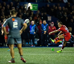 Tom Hardwick of Leicester Tigers kicks a penalty<br /> <br /> Photographer Simon King/Replay Images<br /> <br /> European Rugby Challenge Cup Round 2 - Cardiff Blues v Leicester Tigers - Saturday 23rd November 2019 - Cardiff Arms Park - Cardiff<br /> <br /> World Copyright © Replay Images . All rights reserved. info@replayimages.co.uk - http://replayimages.co.uk