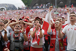 08.06.2012, Fanmeile, Danzig, POL, UEFA Euro 2012, Fanmeile Danzig, beim Spiel Polen vs Griechenland, im Bild Fans // during the UEFA Euro 2012 Group A Match between Poland and Greece at the Fan Zone, Gdansk, Poland on 2012/06/08. EXPA Pictures © 2012, PhotoCredit: EXPA/ Newspix/ Michal Fludra..***** ATTENTION - for AUT, SLO, CRO, SRB, SUI and SWE only *****
