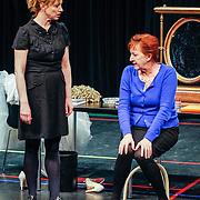 NLD//Amsterdam20160415 - Persdag toneelstuk In de Ban van Broadway, Loes Luca en Bianca Krijgsman