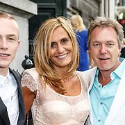 NLD/Amsterdam/20150620 - Huwelijk Kimberly Klaver en Bas Schothorst, Patricia Klaver, neefje en broer ex partner Laurens Klaver