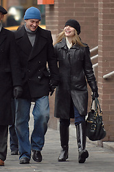 EXCLUSIVE. Actress Claire Danes with her new boyfriend Hugh Dancy buy some cakes at 'Magnolia Bakery' in the West Village before shopping on Fifth Avenue at 'Banana Republic' in New York, NY on February 26, 2007. Photo by Cau-Guerin/ABACAPRESS.COM  | 116761_01