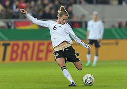 26.10.2011, Millerntor-Stadion, Hamburg, GER, FSP, Deutschland vs Schweden, im Bild Simone Laudehr (Deutschland #6)..// during the friendly match Deutschland vs Schweden on 2011/10/26, Millerntor-Stadion, Hamburg, Germany..EXPA Pictures © 2011, PhotoCredit: EXPA/ nph/  Frisch       ****** out of GER / CRO  / BEL ******