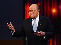 Fotball<br /> Foto: imago/Digitalsport<br /> NORWAY ONLY<br /> <br /> 19.12.2005  <br /> <br /> FIFA Präsident Joseph S. Blatter (Schweiz) hält anlässlich der  Wahl zum Weltfußballer des Jahres 2005 eine Ansprache