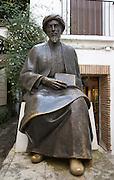 Statue of Moshe ben Maimon or Ben Maimonides, Jewish philosopher 1135-1204, Cordoba, Spain