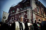 L'Arcivescovo di Taranto mons. Filippo Santoro durante la fiaccolata di solidarietà. Christian Mantuano/OneShot