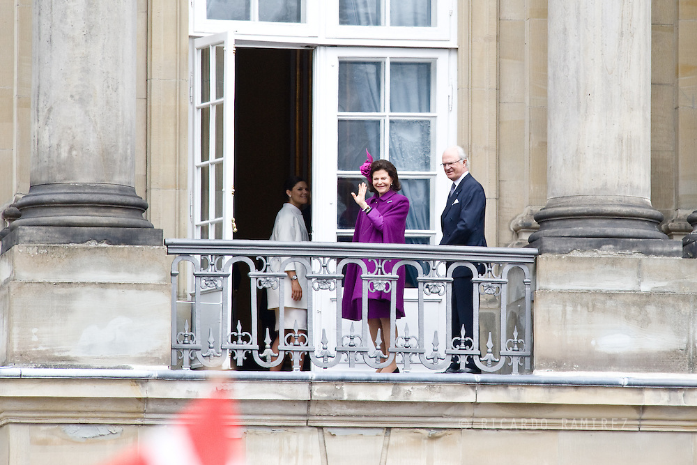 16.04.2015. Copenhagen, Denmark.<br /> Queen Silvia and King Carl XVI Gustaf of Sweden attended The 75th Birthday of Queen Margrethe of Denmark at Amalienborg Palace.<br /> Photo:© Ricardo Ramirez