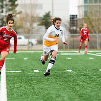 4th year midfielder Sarah Moroziuk (14) of the Regina Cougars in action during the Women's Soccer home game on October 21 at U of R Field. Credit: Arthur Ward/Arthur Images