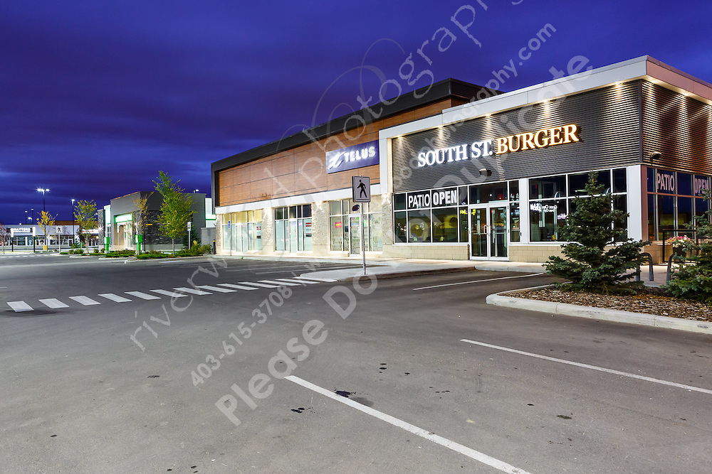 Real estate photography for use on advertising and marketing materials and property leasing information available to prospective tenants of the property.<br /> <br /> ©2016, Sean Phillips<br /> http://www.RiverwoodPhotography.com