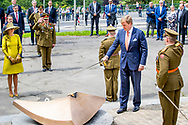 King Willem-Alexander and Queen Maxima of The Netherlands lay down a wreath at the Monument de la Solidarite Luxembourgeoise in Luxembourg 23 May 2018. The Dutch King and Queen are in Luxembourg for an three day state visit. Photo: robin Utrecht