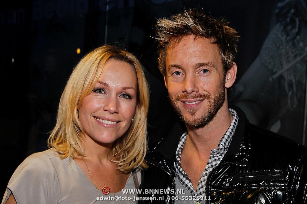 NLD/Hilversum/20100223 - Perspresentatie AVRO serie Bloedverwanten, Tanja Jess en partner Charly Luske