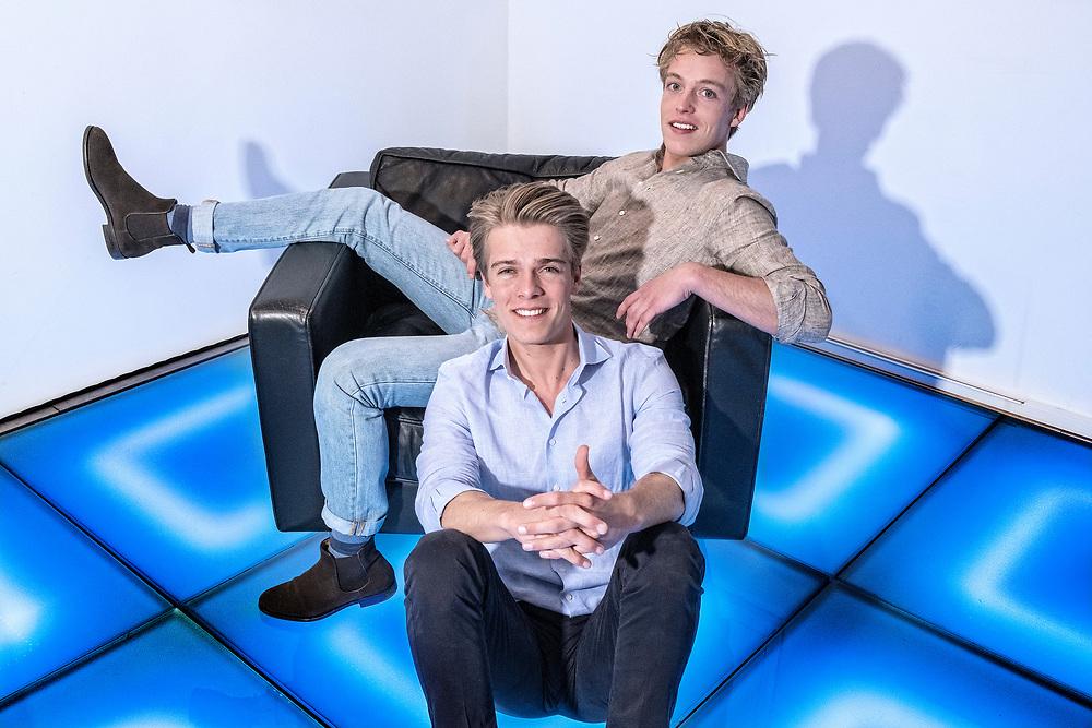 Nederland. Baarn, 21-03-2017. Foto: Patrick Post.  Portret van de Broers Jussen. Arthur, links en Lucas rechtsachter.
