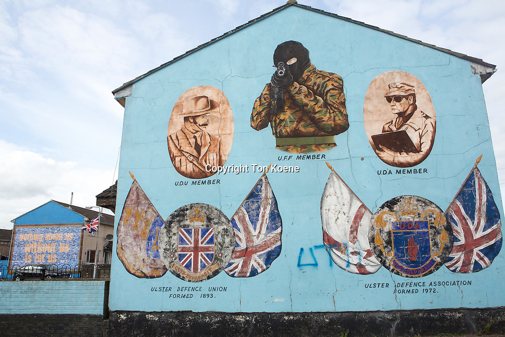 wall paintings from the civil war in Norther Ireland