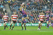 Stade FRancais are winning the air battle in the first half of the European Rugby Challenge Cup match between Gloucester Rugby and Stade Francais at BT Murrayfield, Edinburgh, Scotland on 12 May 2017. Photo by Kevin Murray.