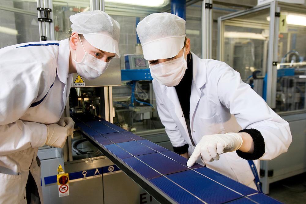 Belgium - Liege - 24 March 2009 - Issol Company is specilized in solar panel construction in Belgium...cfr: Solar Panel , construction , Cell , Liege , Belgium , Green Power , Sun .. © Patrick Mascart / Scorpix