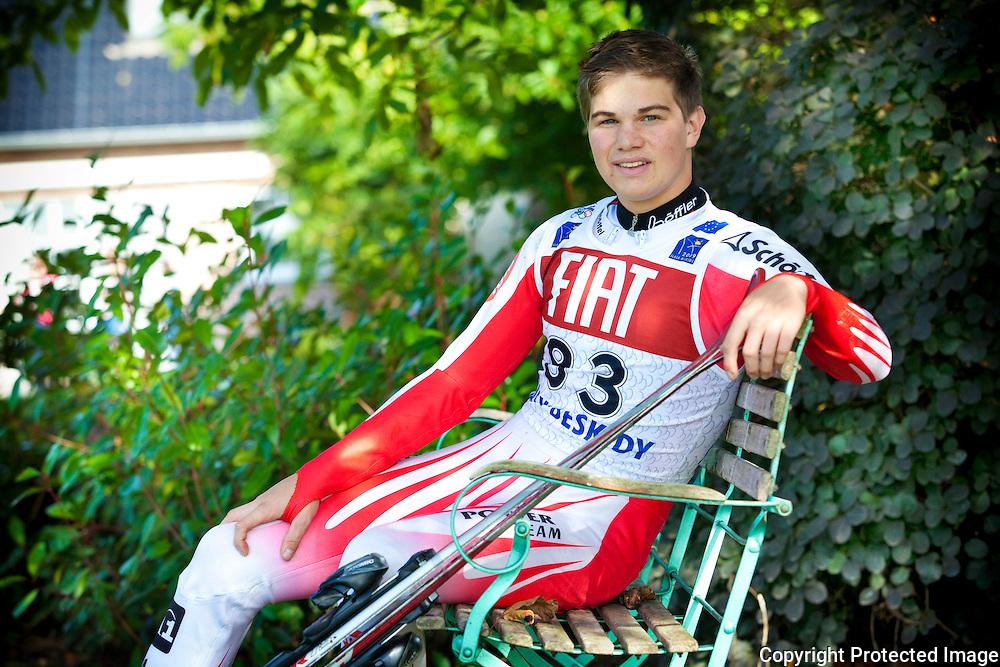 365069-Thomas Fierens, skiër-Mechelbaan 147 Koningshooikt