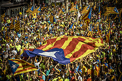 September 11, 2017 - Tens of thousands of pro-independence Catalans fill Barcelona's Passeig de Gracia waving flags and shouting slogans to claim the independence on Catalonia's national day, 'La Diada', 20 days ahead of a planned referendum about the secession from Spain (Credit Image: © Matthias Oesterle via ZUMA Wire)
