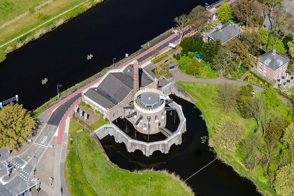 Nederland, Noord-Holland, Haarlemmermeer, 28-04-2017; voormalig stoomgemaal de Cruquius in de Haarlemmermeer. Het gemaal is gebruikt om de polder droog te leggen en is nu een museum. Former pumping station Cruquius in Haarlemmermeer. The pumping station was used to drain the polder Haarlemmermeer and is now a museum.<br /> luchtfoto (toeslag op standard tarieven);<br /> aerial photo (additional fee required);<br /> copyright foto/photo Siebe Swart