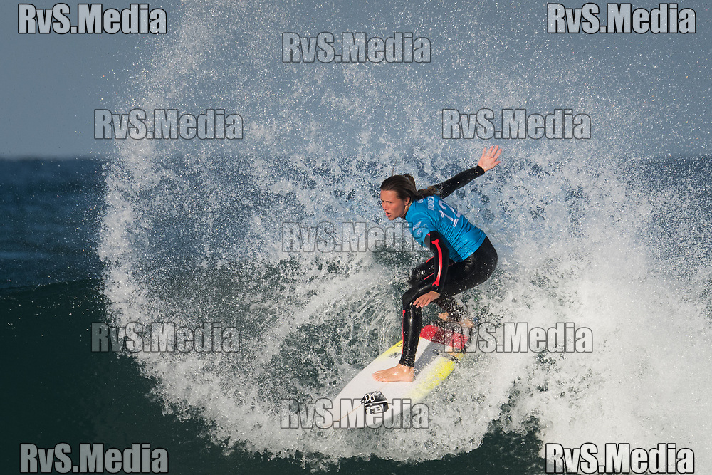 Keely Andrew of Australia in action during RoxyPro France 2017 at Plage de La Gravière on October 8, 2017 in Hossegor, France. (Photo by Basile Barbey/RvS.Media)