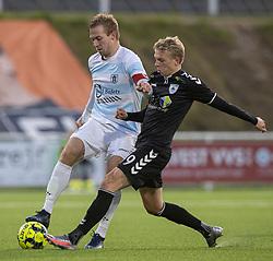 Jonas Henriksen (FC Helsingør) presses af Mikkel Jakobsen (Kolding IF) under kampen i 1. Division mellem FC Helsingør og Kolding IF den 24. oktober 2020 på Helsingør Stadion (Foto: Claus Birch).