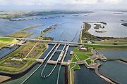 Nederland, Zeeland, Philipsdam, 23-10-2013; Krammersluizen onderdeel van de Schelde-Rijnverbinding. De sluizen bevinden zich tussen het zoete water van het  Volkerak en het zoute water de Oosterschelde (via de Krammer). Autoverkeer rijdt over de N257.<br /> Philipsdam with Krammersluizen, part of the Delta Works<br /> luchtfoto (toeslag op standaard tarieven);<br /> aerial photo (additional fee required);<br /> copyright foto/photo Siebe Swart.