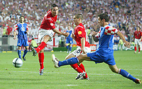 England v Croatia - Estadio de Luz, Lisbon - 21st June 2004<br />England's Frank Lampard smashes in England's fourth goal in front of team mate Michael Owen, and Croatia's Igor Tudor.<br />Photo: Jed Leicester/Sporting Pictures<br />© Sporting Pictures (UK) Ltd<br />www.sportingpictures.com<br />Tel: +44 (0)20 7405 4500<br />Fax: +44 (0)20 7831 7991