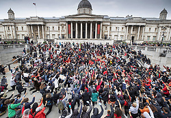 © Licensed to London News Pictures. 03/06/2020. London, UK. Hundreds of Black Lives Matters protesters 'take the knee' outside the National Gallery in Trafalgar Square during a demonstration following the death of African American George Floyd while in police custody. The death of George Floyd, who died after being restrained by a police officer In Minneapolis, Minnesota, has caused widespread rioting and looting across the USA. Photo credit: Peter Macdiarmid/LNP