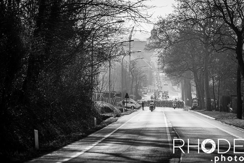 Peloton up the Edelareberg<br /> <br /> 13th Women's Omloop Het Nieuwsblad 2021 <br /> 1 Day Race: Gent – Ninove 124km<br /> <br /> ©Rhode.Photo