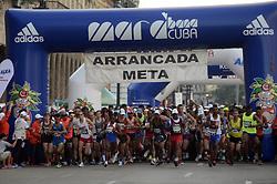 HAVANA, Nov. 20, 2017  Competitors start off in the International Marathon of Havana, Marabana 2017, in Havana, Cuba, on Nov. 19, 2017. More than 5,000 runners participated in this year's Marabana. (Credit Image: © Joaquin Hernandez/Xinhua via ZUMA Wire)